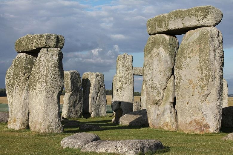 Archaeologists unravel the mystery surrounding the origin of Giant Stonehenge stones