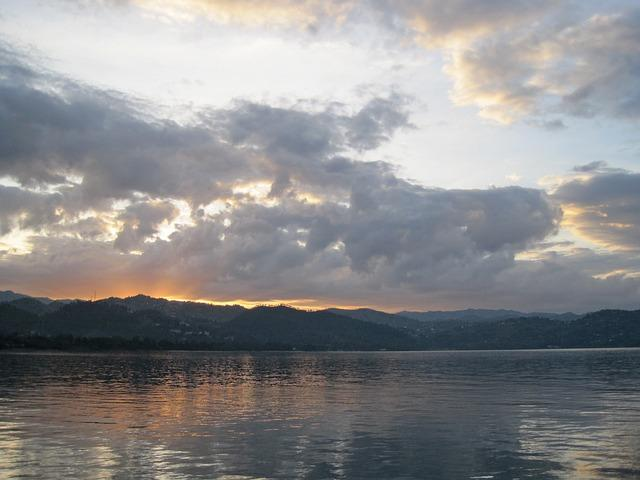 Lake Kivu (Democratic Republic of the Congo and Rwanda)