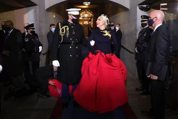 Marine who took Lady Gaga by the arm: right place, right time with right figure