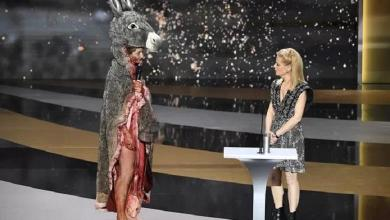 French actress goes without cloth on the stage of the Césars