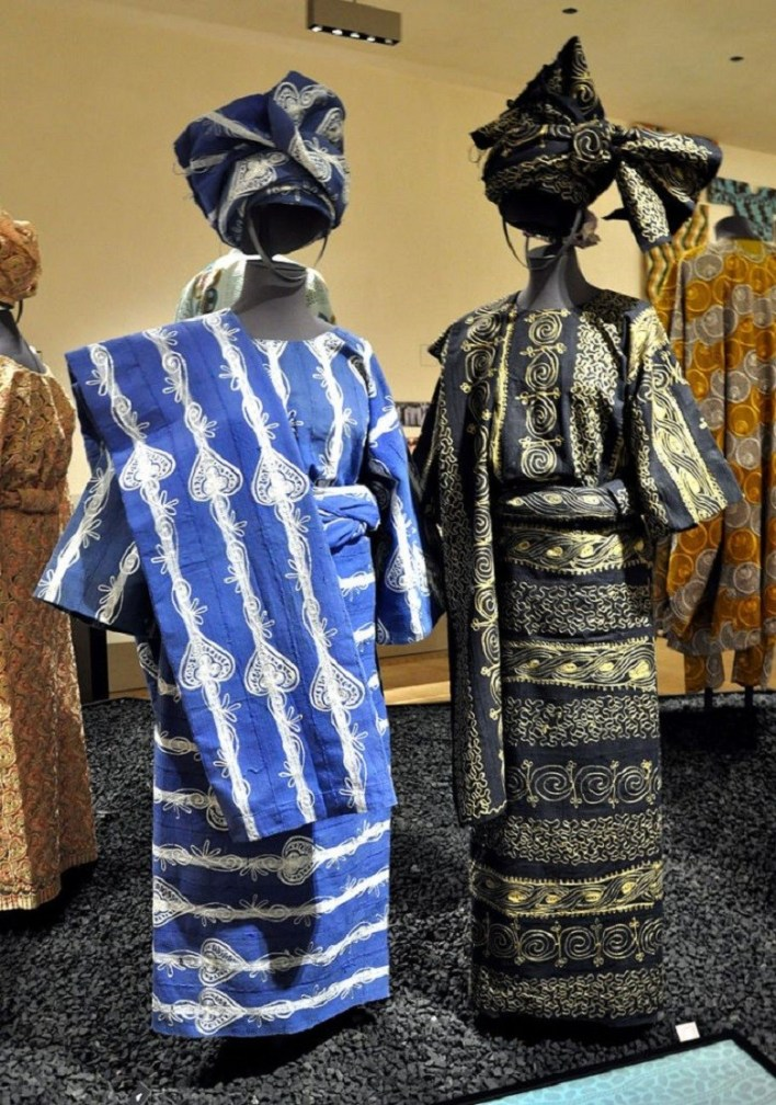 What Yoruba traditional clothing styles and accessories look like