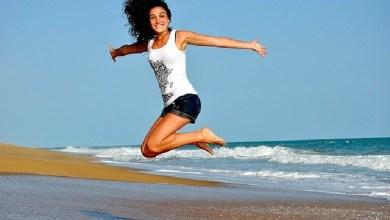 How to make yourself feel happy – easiest ways