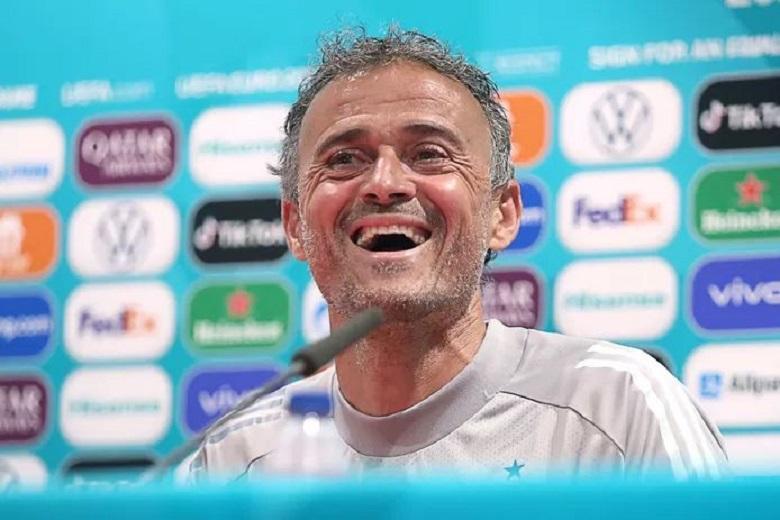 Not Ronaldo, but Spanish national coach Luis Enrique was a trendsetter putting away Coca-Cola bottles
