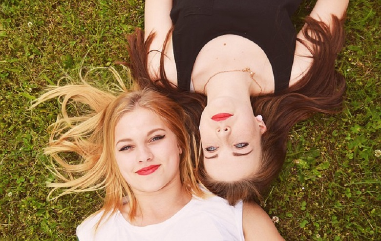4 reasons we live in an unhappy friendship