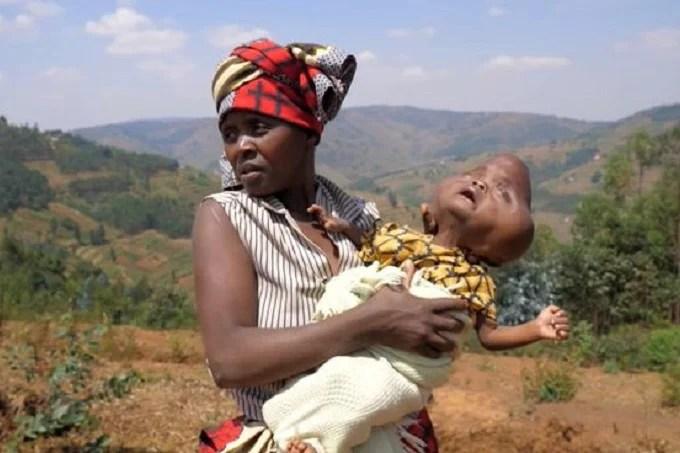 Bajeneza Liberata and her child