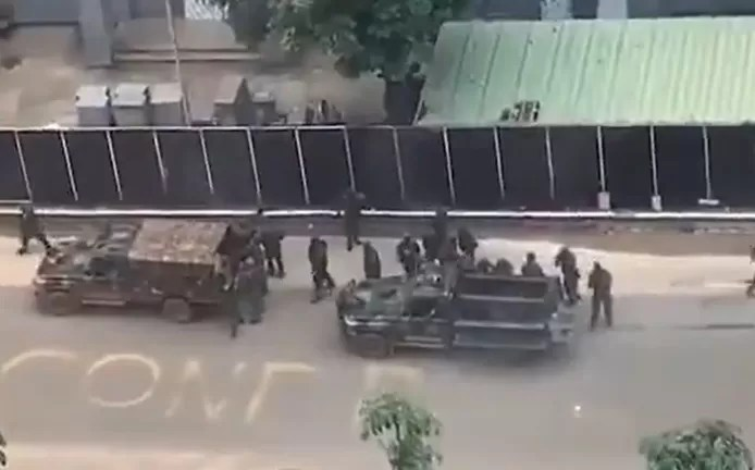 Heavy artillery in the capital Guinea, many soldiers on the street
