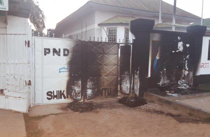 RDC : Le siège du PND incendié. Des témoins accusent les jeunes du PPRD