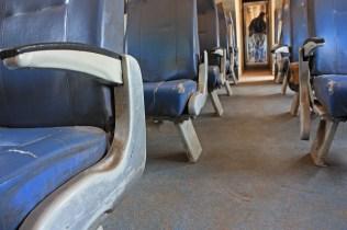 Par le passé, les passagers pouvaient choisir de voyager en couchette. Désormais, c'est assis que l'on parcourt les 15 heures de trajet vers la capitale / In the past, passengers could choose to travel in sleeper. Now you can only choose to sit during the 15 hour-journey to Bamako