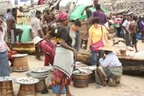 Jamestown n'est plus utilisé comme port de marchandise. Les navires accostent à Tema, à l'est de la ville / Jamestown is not used as a freight harbour anymore. The ships accost in Tema, east of Accra