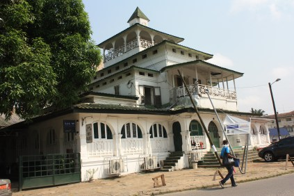 Le palais des Rois Bell, à Bonanjo / Bell Kings Mansion, in Bonanjo