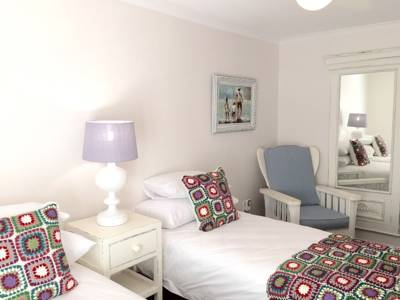 Strand self-catering holiday accommodation 3 bedrooms