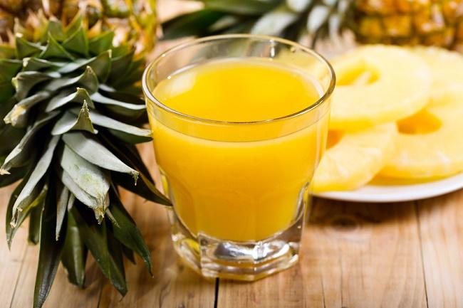 Une boisson à base d'ananas