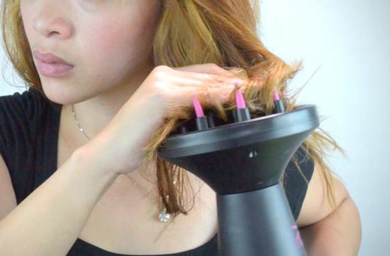 Vlasy v difuzorské misce