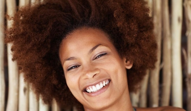 Peinado-y-maquillaje-de-fiesta-para-mulatas-y-negras-1