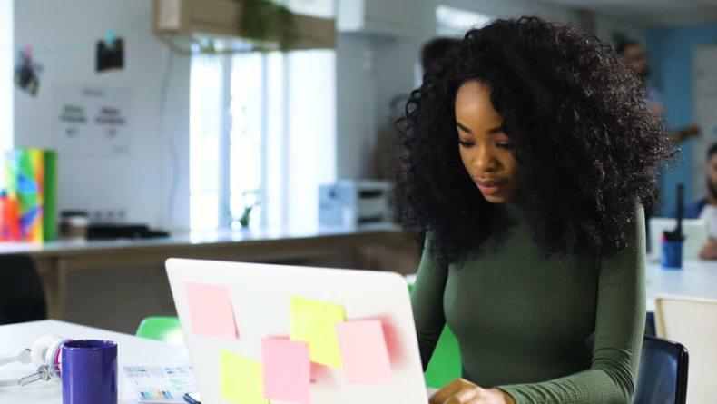 Sobreexpuestas. Afroféminas acoso en la red