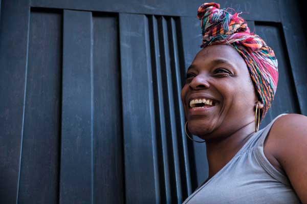 """""""Tú eres negra, no te duele. Tú eres negra, no te cansas"""" Entrevista a María Roja Borja"""