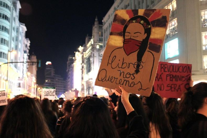 Blancura, feminismo y el 8M. Re-pensando privilegios