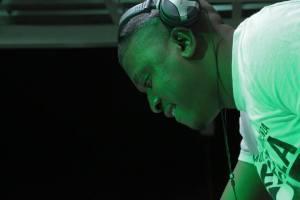 Dvine Brothers feat. Lady Zamar - Dancing (De Mogul SA Remix)