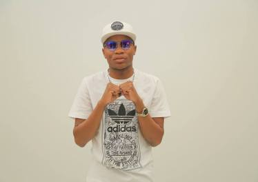 Master KG - Ngifuna (feat. Bongo Beats & Soul Kulture)