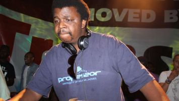 South Africa Top DJs 1 tegory%