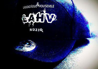 LAHV MusiQ - iLobolo (feat. Busi N)