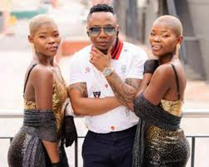 Qwabe Twins Ft. DJ Tira – Hamba [Live AMP Performance]