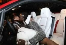 Photo of Cardi B threatens to sue anyone who reposts her explicit photo