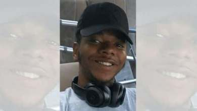 """Photo of Illinois police shoot and kill unarmed Black teenager, hospitalize his girlfriend after reports of a """"suspicious vehicle"""""""