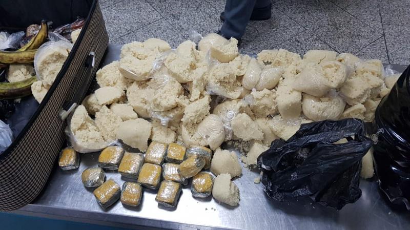 Tunisie contrebande de drogue - une passagère ivoirienne arrêtée avec 2kg de de marijuana dans de l'attiéké