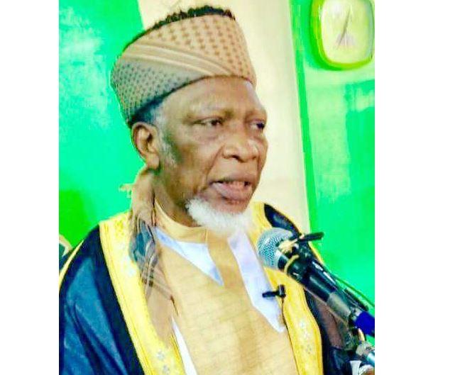 Un dirigeant musulman nigérian qualifie le coronavirus de «propagande occidentale» et refuse de fermer sa mosquée