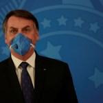 Le président brésilien Bolsonaro dit qu'il ignore les directives de l'OMS