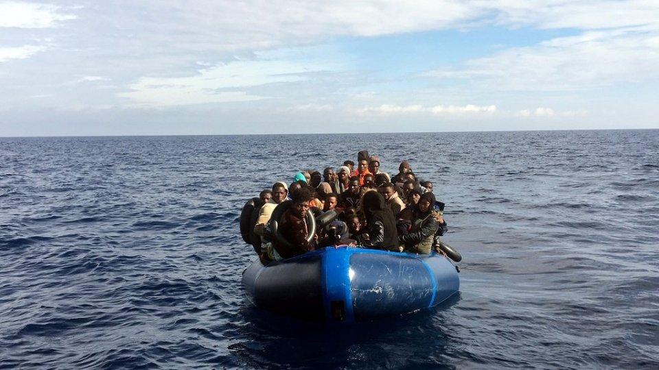 Tunisie : Sauvetage de 36 migrants subsahariens irréguliers dont une femme enceinte et cinq enfants à Mahdia