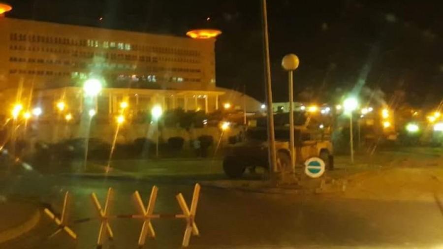 Tunisie: L'armée déployée devant le Parlement et la télévision nationale