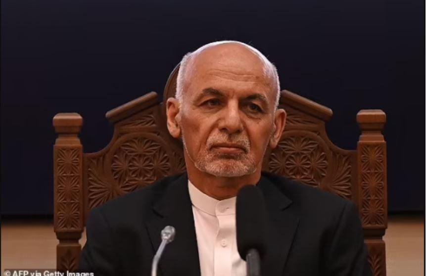 Le président afghan Ashraf Ghani s'est enfui avec 169 millions de dollars dans son hélicoptère et a obtenu l'asile à Dubaï