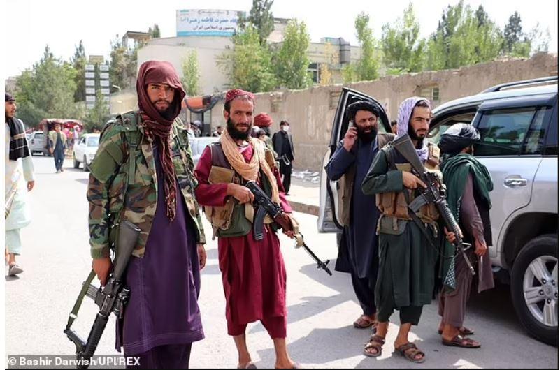 L'ONU affirme que les talibans procèdent déjà à des exécutions de civils, recrutent des enfants soldats et répriment les femmes