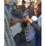 Bagarre de « filles » nigérianes dans la rue de Benghazi, Libye (vidéo)