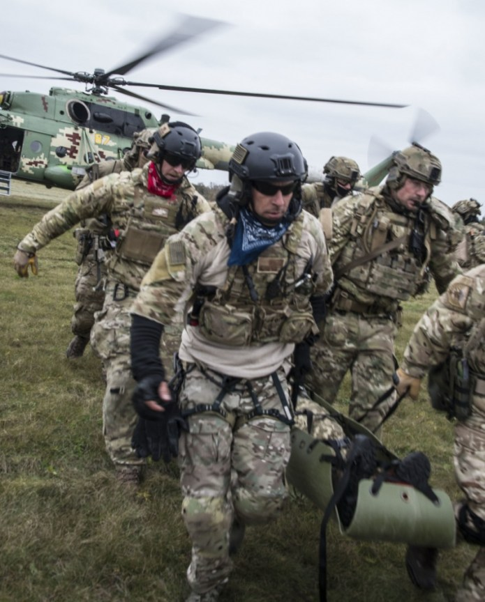Pararescuemen Take Their Training to Ukraine for Clear Sky 2018