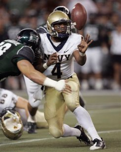 Quarterback Ricky Dobbs pitches the ball during the fourth quarter in a loss to Hawaii.