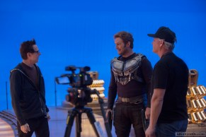 Marvel's Guardians Of The Galaxy Vol. 2 L to R: Director James Gunn and Chris Pratt (Star-Lord) on set. Ph: Chuck Zlotnick © 2016 MVLFFLLC. TM & © 2016 Marvel. All Rights Reserved.