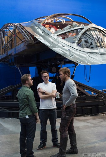 Marvel's Guardians Of The Galaxy Vol. 2 L to R: Executive Producer Jonathan Schwartz, Director James Gunn and Chris Pratt (Star-Lord) on set. Ph: Chuck Zlotnick © 2016 MVLFFLLC. TM & © 2016 Marvel. All Rights Reserved.