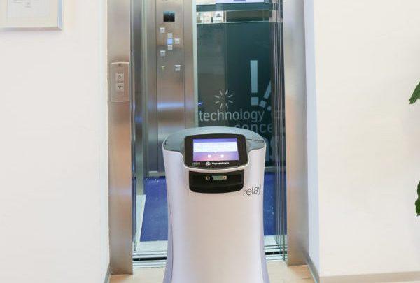 Roboter können jetzt autonom mit dem Aufzug fahren