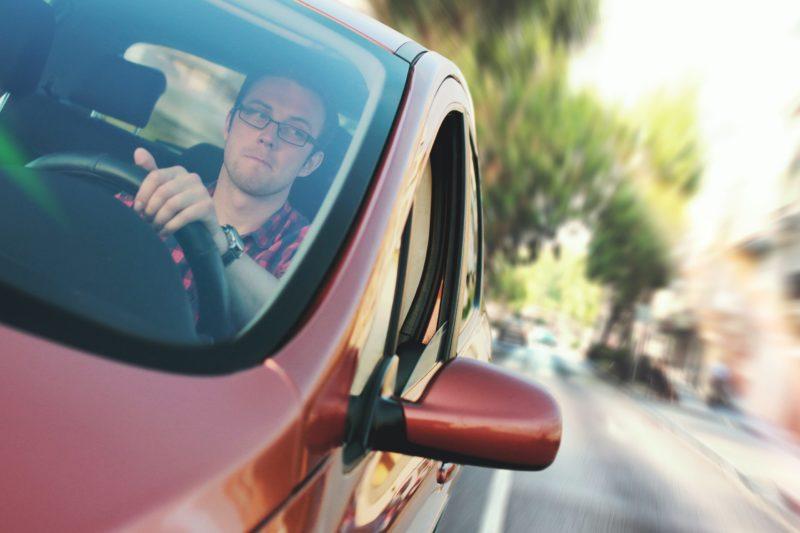 Autofahrer im Auto