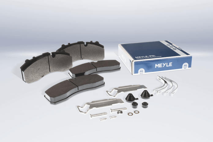 These new Meyle brake pads were manufactured in accordance with the ECE-R90 standard and are adapted to the enormous loads in truck racing and daily road traffic.
