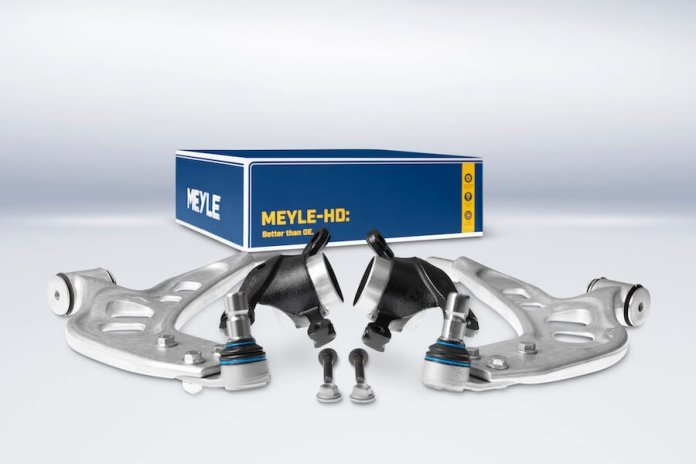 This image shows to control arms side by side on a white background. The parts are silver-colored and there is a blue box in the background that says Meyle-HD. Better than OE.