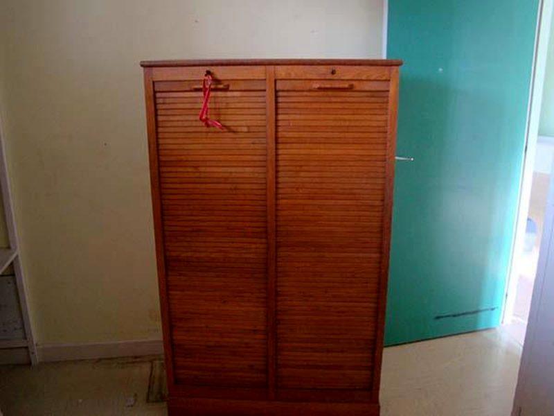 double classeur a rideaux en bois