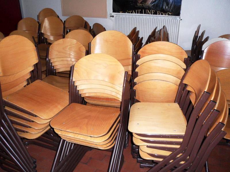 lot de 40 chaises scolaires en bois