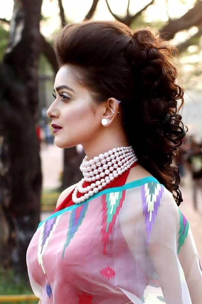 Bangladeshi Hot Model & Actress Tanjin Tisha 11