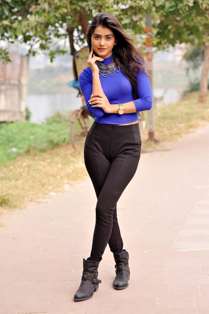 Bangladeshi Hot Model & Actress Tanjin Tisha 23