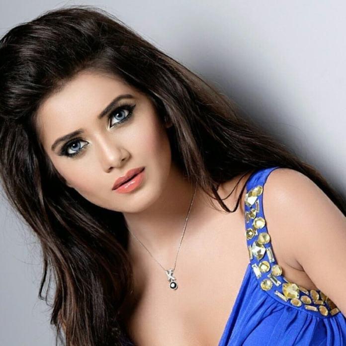 Bangladeshi Hot Model & Actress Tanjin Tisha 4
