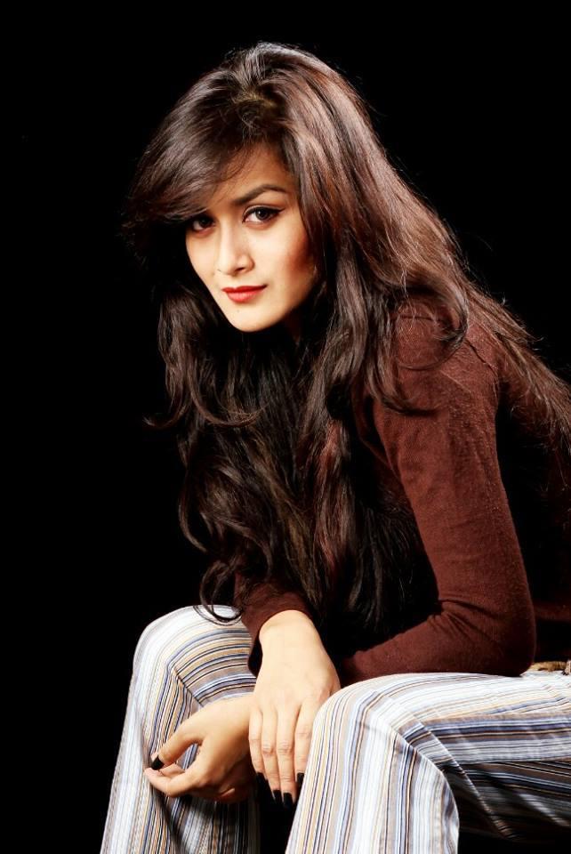 Nadia Nodi Bangladeshi Model & Actress 6